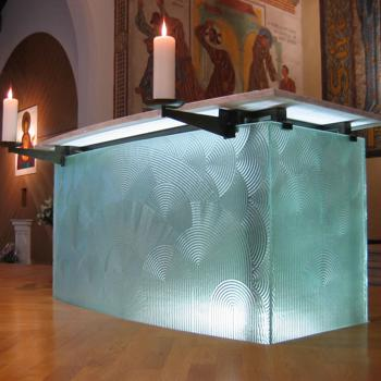 350x_altar_F_Boissonnet_Glasswork_Paris